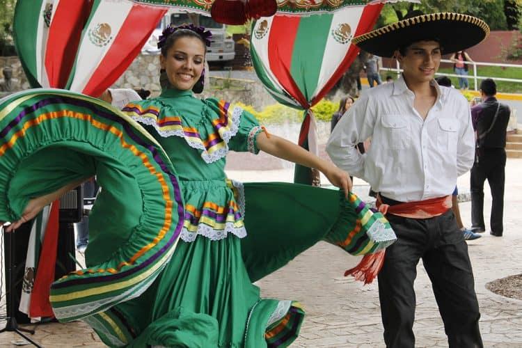 Los valores culturales están constituidos por creencias, actividades y relaciones
